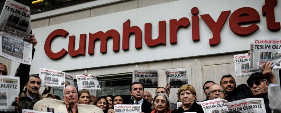 Türkei – Prozess gegen Cumhuriyet-Journalisten in Istanbul