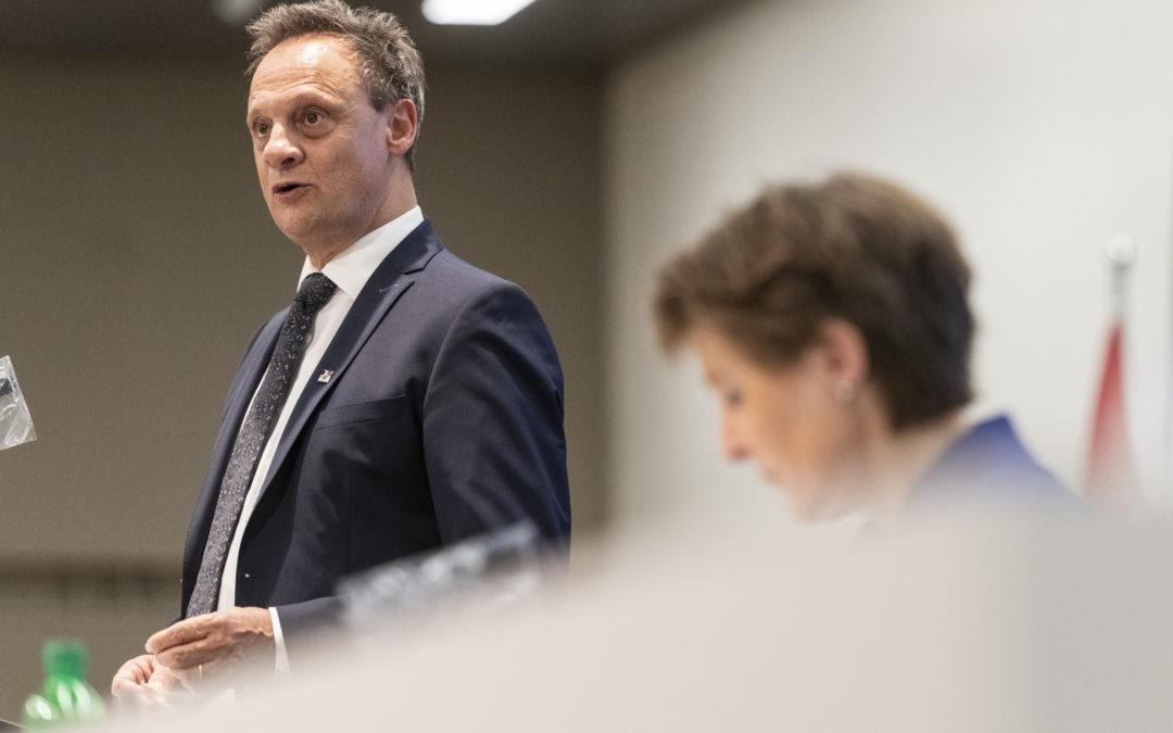 RSF Schweiz spricht sich gegen den Verfassungsartikel über die Medien aus, den der Ständerat diskutieren wird